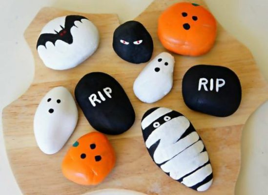 Simple Halloween Rocks