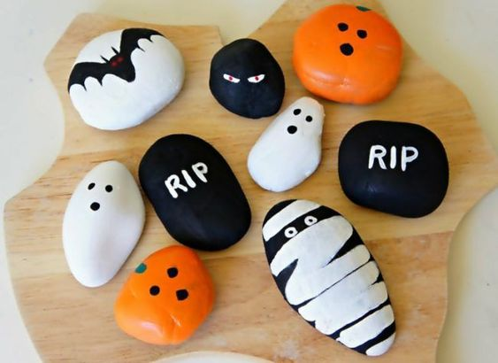 Simple Halloween Rocks